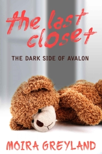 The Last Closet: The Dark Side of Avalon by Moira Greyland Book Review